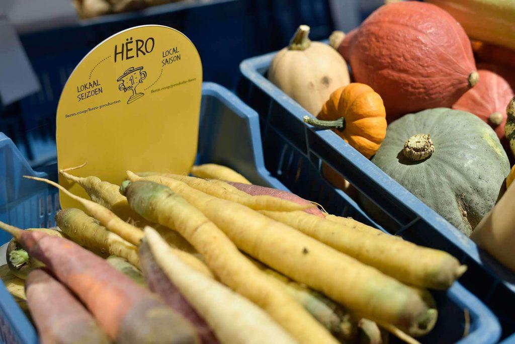 Légumes locaux à färm.meiser, le magasin färm de Schaerbeek.